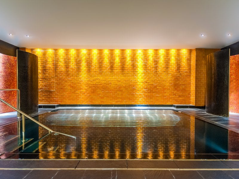 Vitality_pool_at_ESPA_Riga.jpg